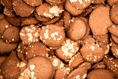 plusieurs tuiles chocolat amande